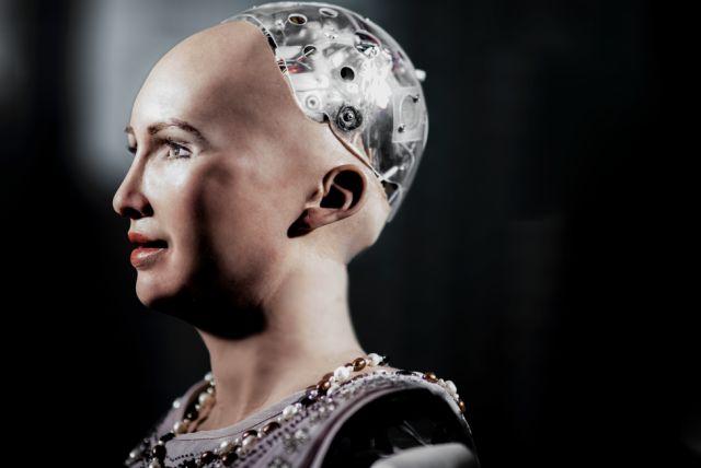 RADII展示:和SOPHIA探讨机器人的未来